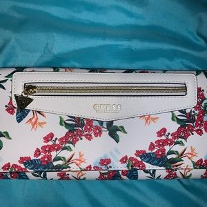 BNWOT GUESS clutch with shoulder strap